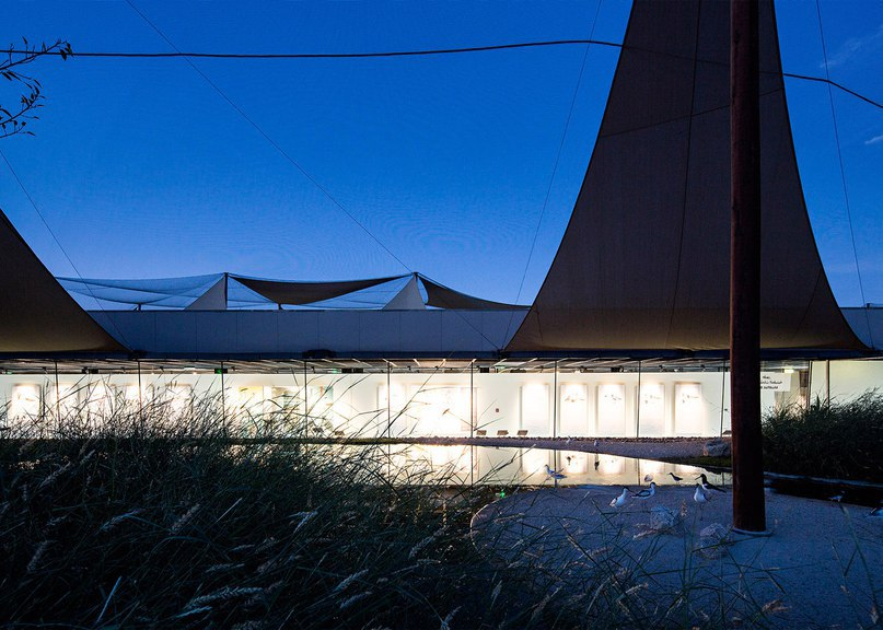 X Architects creates facility for bird watchers