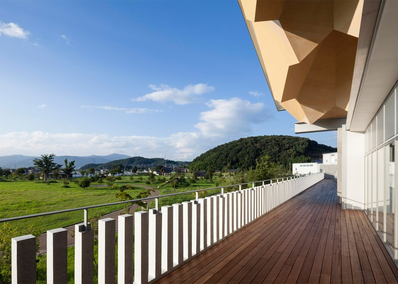 Jagged wooden roof frames museum dedicated to