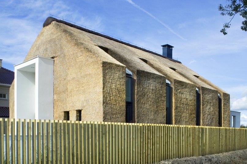 Дом под соломенной крышей от студии Arjen