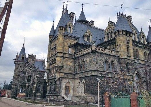Самый настоящий средневековый замок построен энтузиастом на