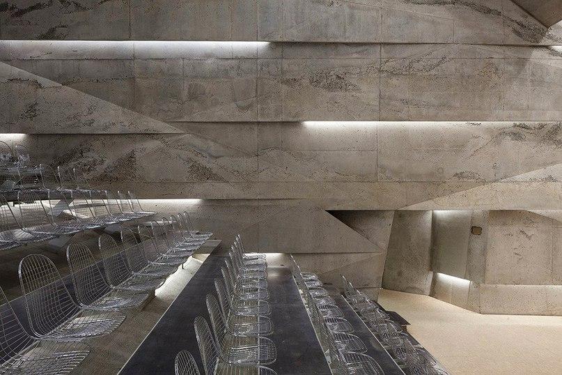 Подземный концертный зал немецкого города Блайбах  Концертный зал