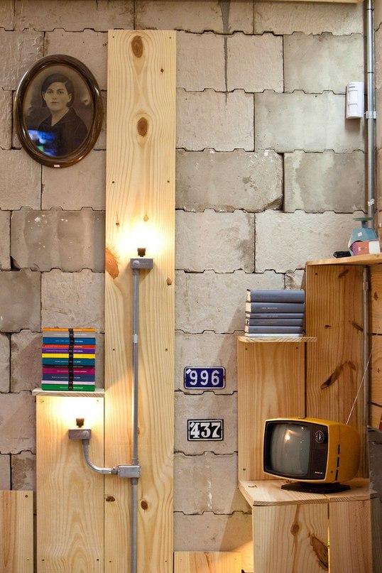 Мультимедийная библиотека в частном доме от YTA  Digital