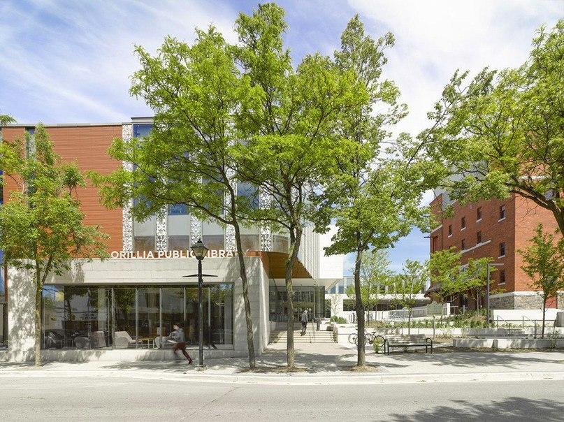 Публичная библиотека города Ориллия  Публичная библиотека города Ориллия