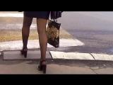красивые ножки в юбке и колготках