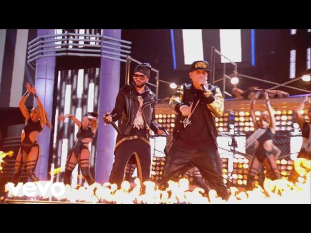 Yandel - Moviendo Caderas (En Vivo) ft. Daddy Yankee