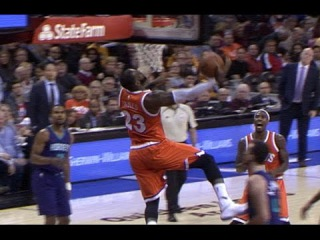 LeBron James Punches Reverse Dunk Against Charlotte | 12.10.16 #NBANews #NBA