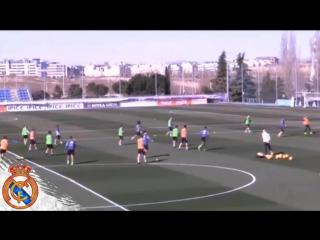 Gareth Bale and Sergio Ramos Amazing Acrobatic Passes on Real Madrid Training 25_02_2017