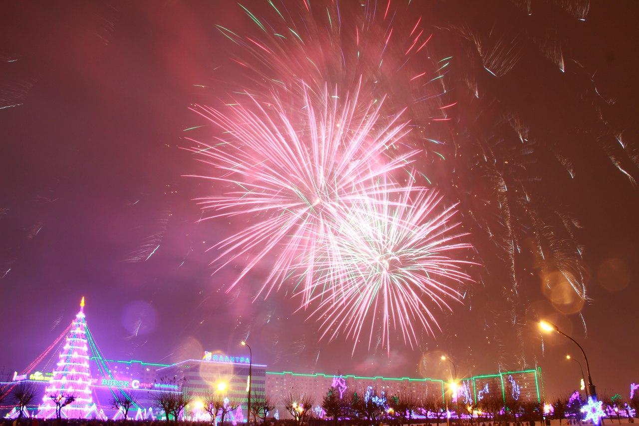 Когда будет салют на новый год в санкт петербурге