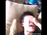 Что чувствуешь когда уронил телефон на лицо