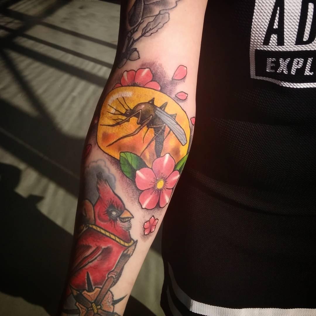 Художественная татуировка «Янтарь». Мастер Дима Поликарпов