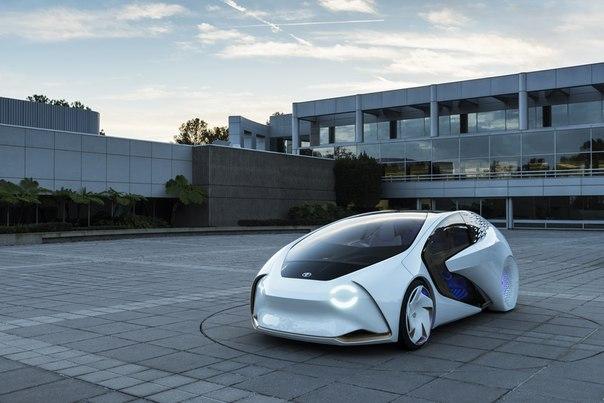 Tavanında Güneş Paneli Olan Otomobil Toyota ve Panasonic Ortaklığında Üretildi