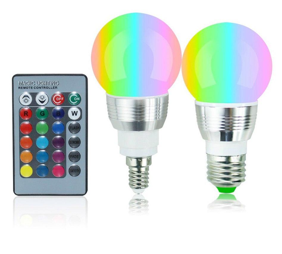 Умная лампочка Цвет можно менять с помощью пульта