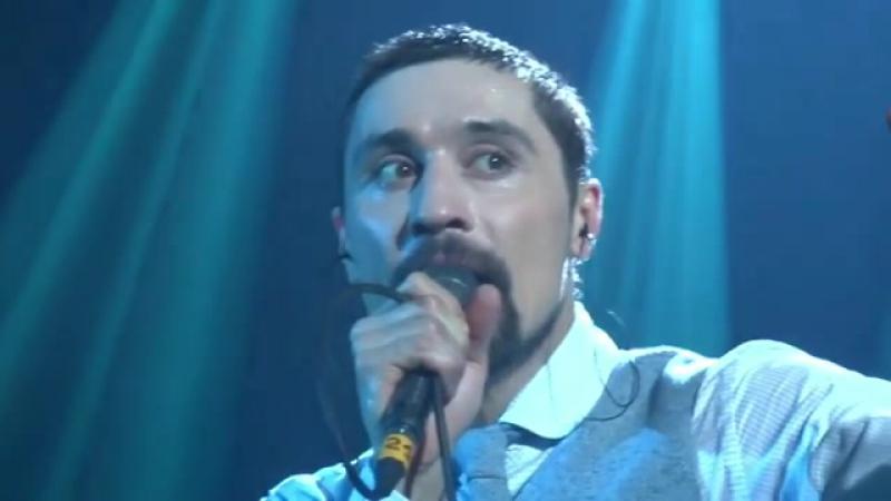 Исхудавший Билан на концерте