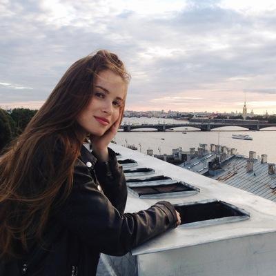 Даша Шутова
