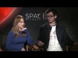 Britt Robertson and Asa Butterfield / The Space Between Us