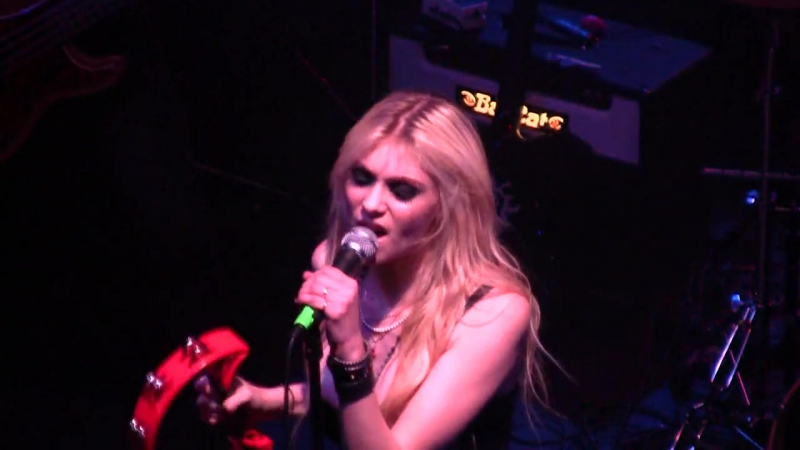 The Pretty Reckless - Factory Girl (VANS Warped Tour 2010 kick-off party)