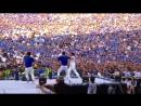 Огромная толпа наблюдает за выступлением PSY - New Face