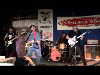 Frnkiero andthe cellabration - Live at Vintage Vinyl 08/25/14