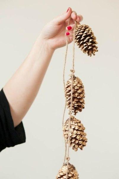 Что можно сделать из шишек своими руками?С начала октября по середин