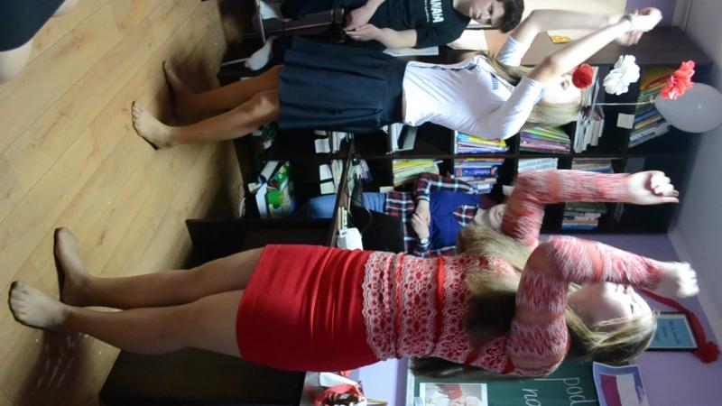 Танець від Піцикевич Анастасії та Каламуняк Василини на святі Весела Подорож Польщею