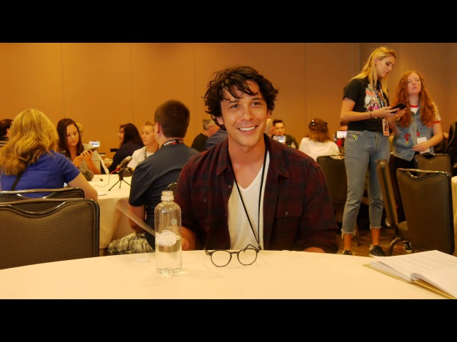 Comic-Con 4k Bob Morley on Threesomes, Space Orgies and more!