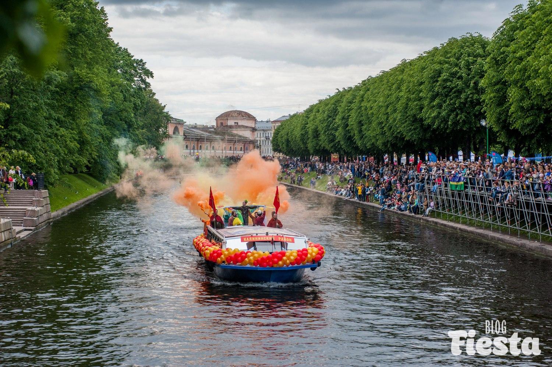 Речной карнавал 2017 прошел в Петербурге