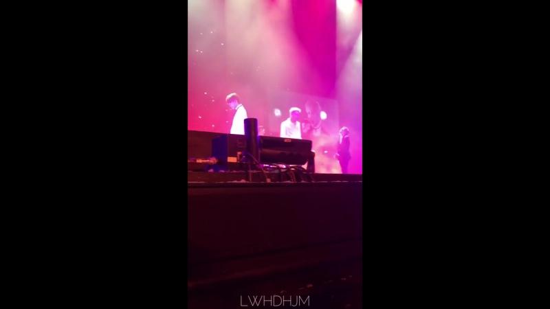 FANCAM — 18.08.17 I Guess I Need U @ «B.A.P 2017 WORLD TOUR 'PARTY BABY!'» в Сингапуре