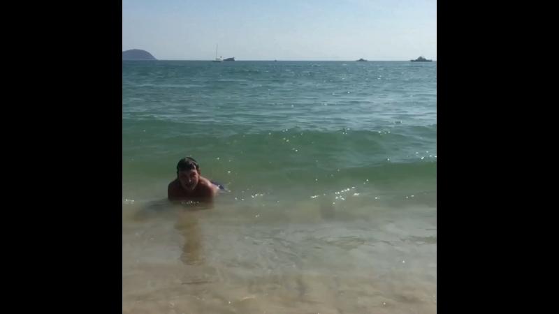 Бухта Yalong bay