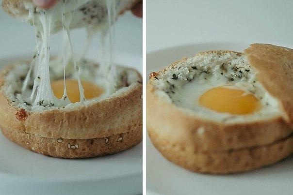 Яичница в булочке Ингредиенты: Булочка – 2 шт. Яйцо –