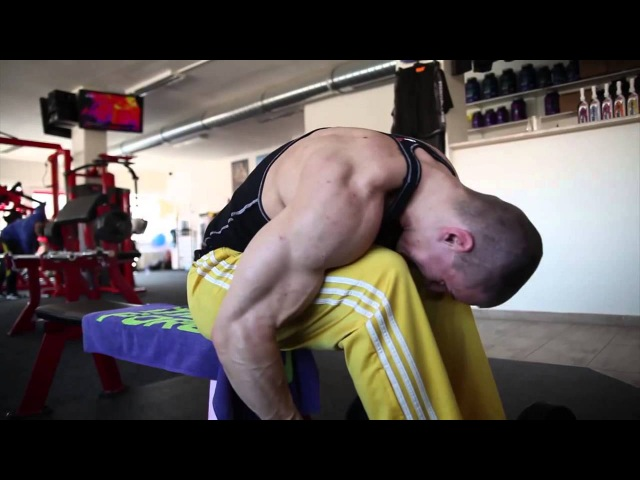 TOMAS EXNER - training shoulders, triceps and interview
