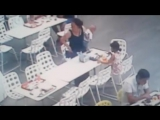 #яжемать с двумя детьми украла телефон