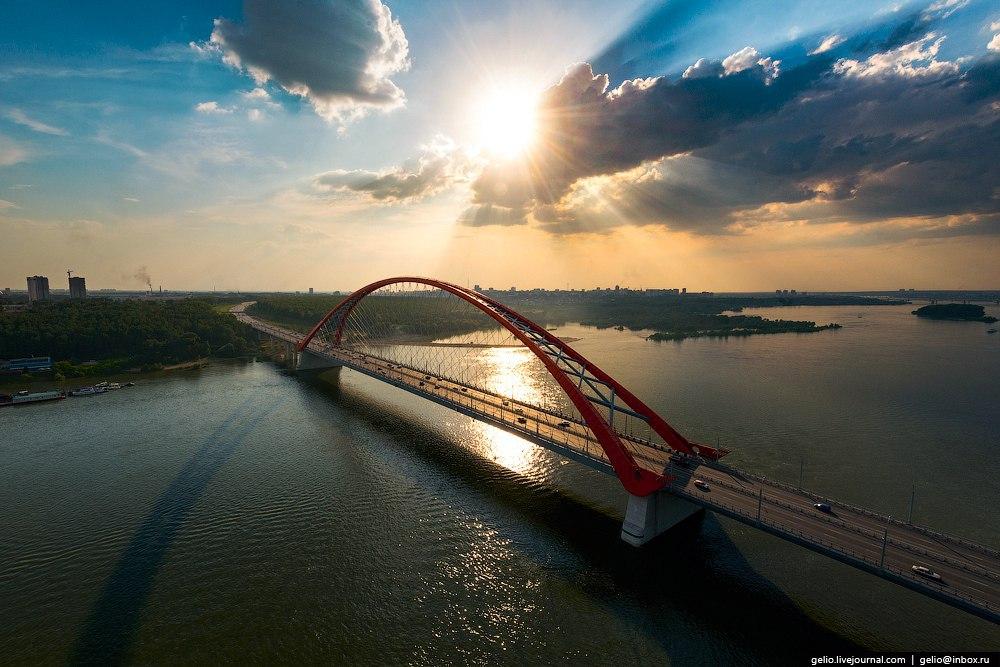 мост был такой знакомый