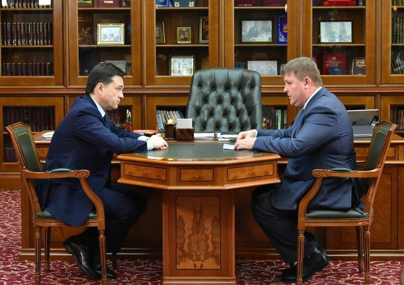 13 января #ГубернаторМО Андрей Воробьев провел рабочую встречу с и.о. главы Солнечногорского района Андреем Чураковым.