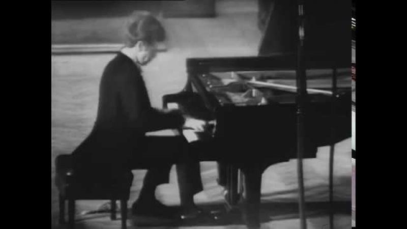 Prokofiev Sonata No. 6 op. 82 - Van Cliburn 1972 (complete video)