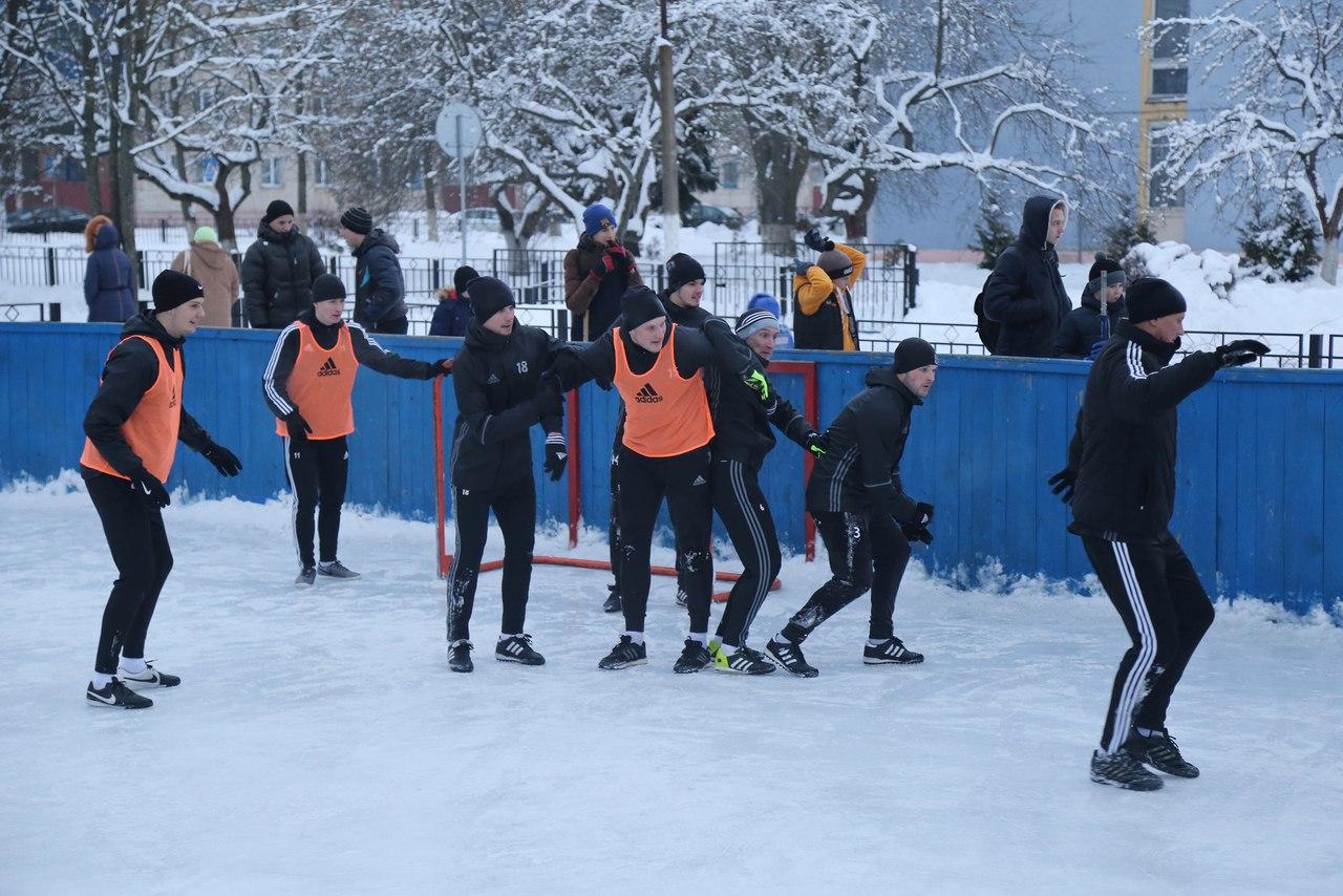 футбол на льду