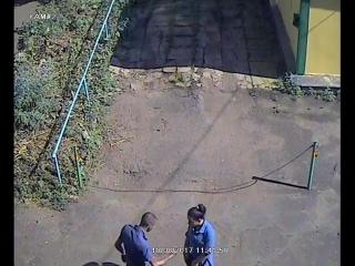 Молодая женщина цыганка похитила кошелек.