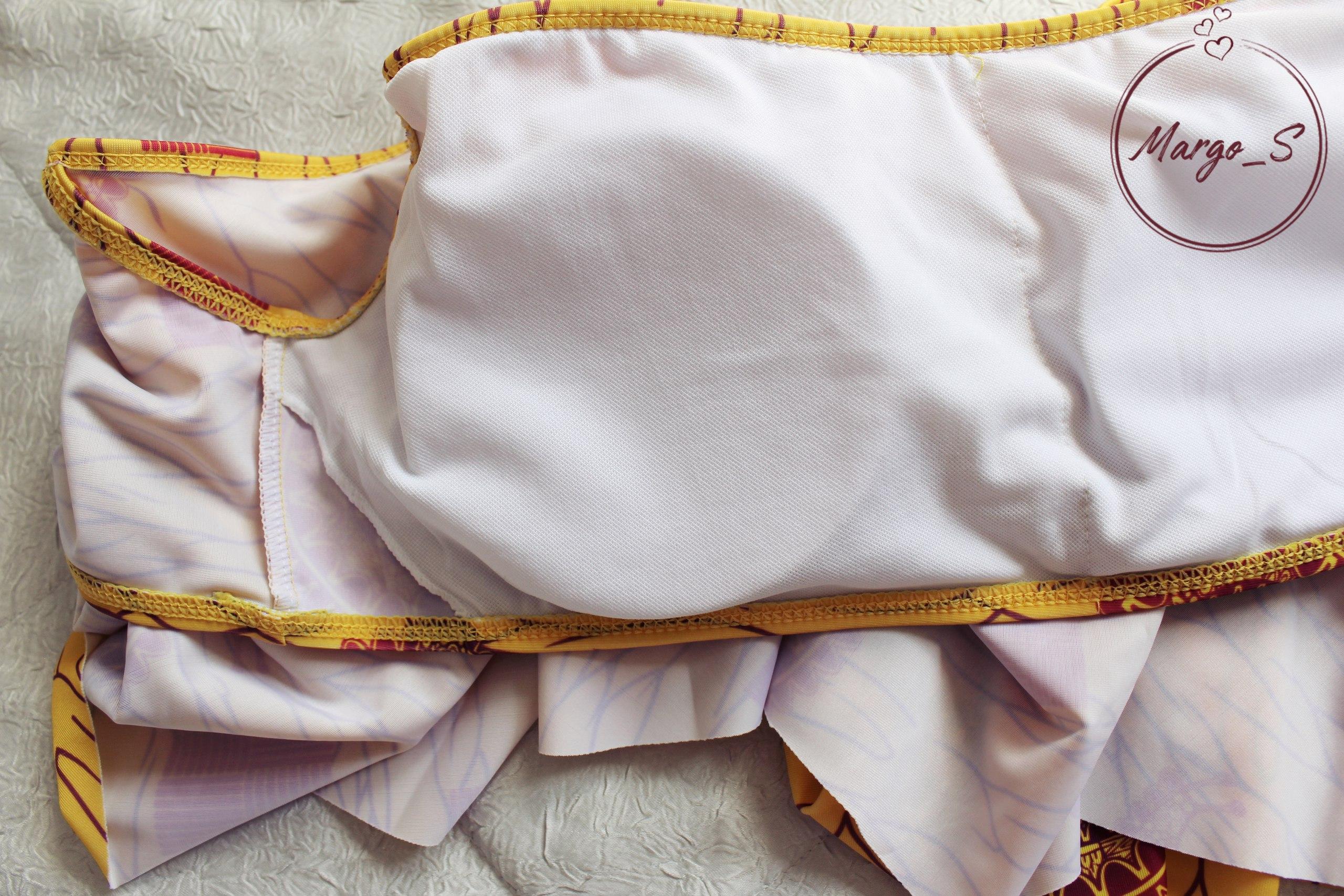 Раздельный купальник с завышенной талией и воланом на груди в этническом стиле за 760 руб для мамы