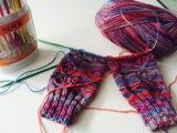 2 Socken gleichzeitig stricken - der Schaft