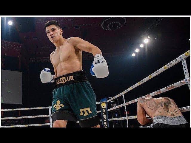 Артур Зиятдинов и на профессиональном ринге – крымский татарин