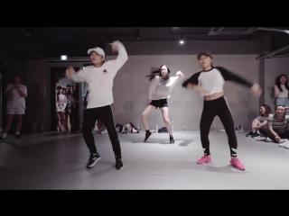 Невероятно мощная хореографии Chainsmokers - Closer