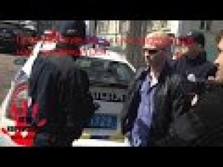 Полицейские Харькова издеваются над американцем