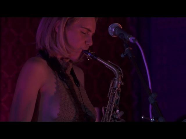 Laura Misch - I Adore (Live)