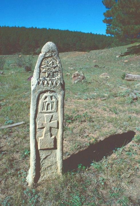 Пугающие камни в лесной глуши: каменная загадка