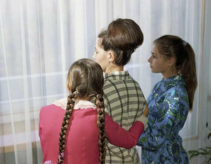 Валентина Гагарина с дочерьми Еленой и Галиной