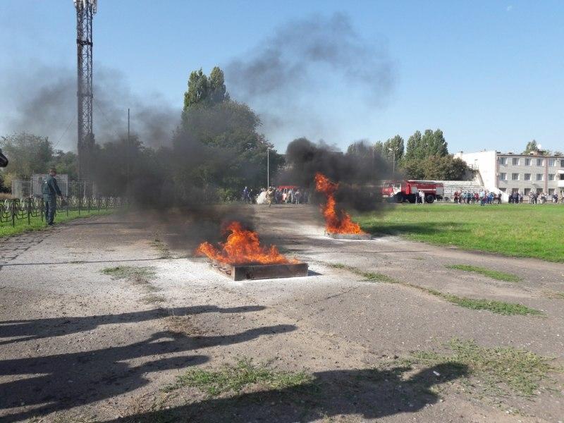 В Таганроге состоялись соревнования по пожарно-спасательному спорту среди дружин юных пожарных