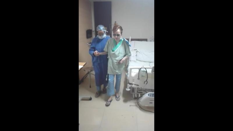 Первые шаги Ксении после операции