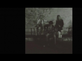 Алла Пугачева и Лайма Вайкуле на улочках старой Риги. Дамы с дюн и музыкант