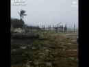 Жутко в Ки-Ларго, штат Флорида... океан отступает на фоне урагана , оставив лодку на суше