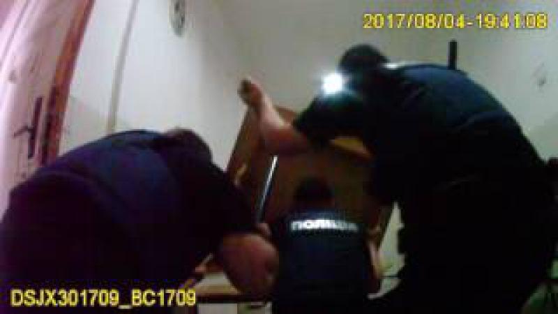 Патрульні Львова визволили заручників, яких захопив пацієнт у львівській психі ...