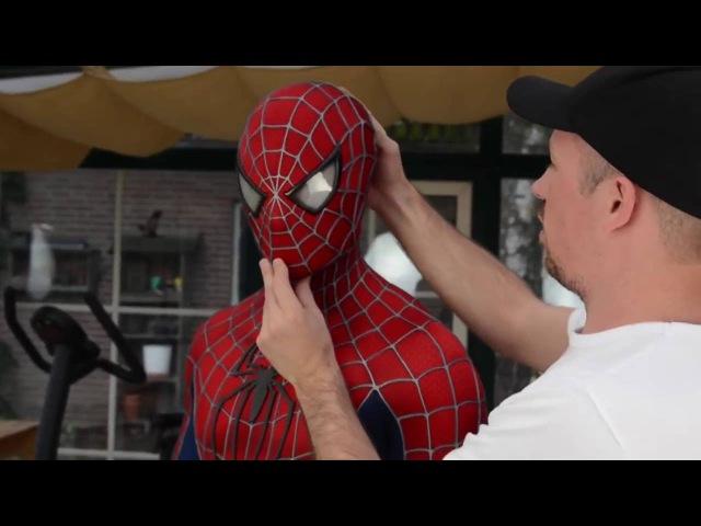 Настоящий костюм Человека паука.